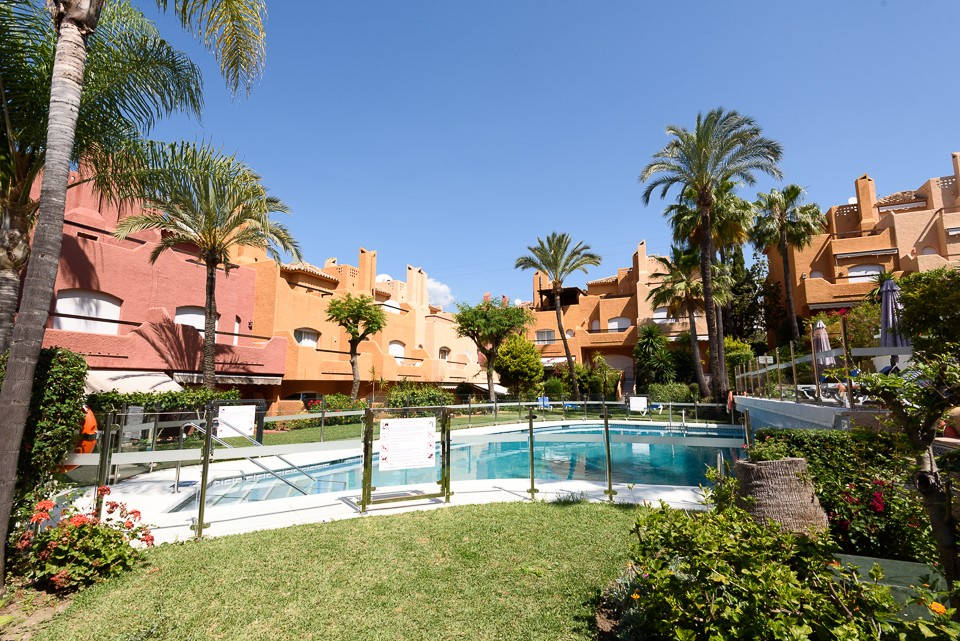 "Townhouse in ""El Palmeral"""
